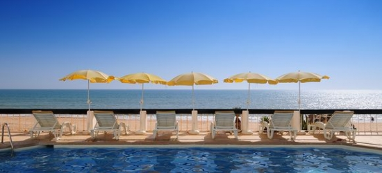 Portugal / Algarve - Relaxing Break on Prime Beachfront Location at the Holiday Inn Algarve 4*