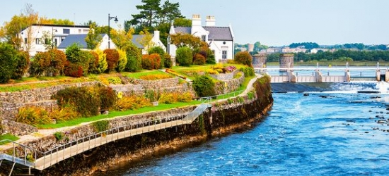 Ireland / Galway - Quintessential Irish Seaside Town at the Maldron Hotel Sandy Road Galway 4*