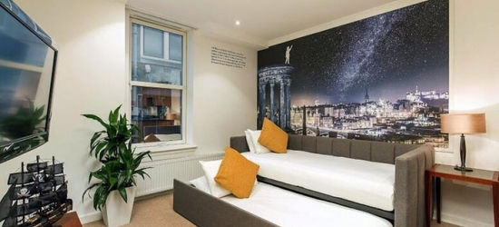 Edinburgh: Apartment Stay for Two or Four with Breakfast at the 4* Stewart Aparthotel