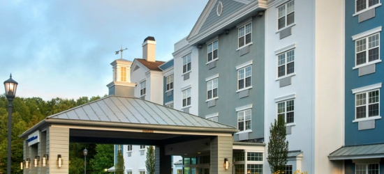 £52 per night | Contemporary base in a historic North Jersey town, Delta Hotels by Marriott Basking Ridge, New Jersey