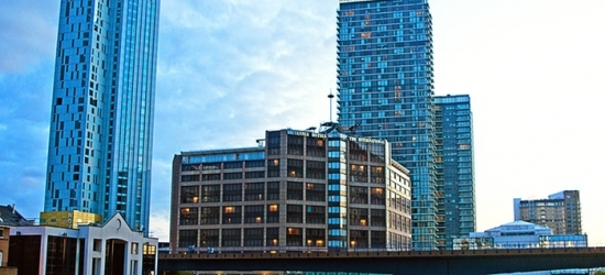 London: 1 Night for Two with Breakfast, Wine and Option for Dinner at 4* Britannia International Hotel London