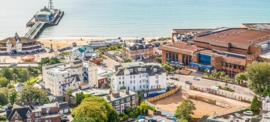 Bournemouth: 1 Night for Two with Breakfast, Wine, Leisure and Spa Access and Option for Dinner at Royal Bath Hotel