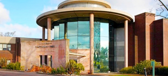 Warrington: 1 Night for Two with Breakfast and Option for Dinner and Wine at Daresbury Park Hotel