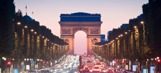 Paris: Classic or Superior Double Room for 2 with Fitness Access and Option for Breakfast and Wine at La Régence Etoile