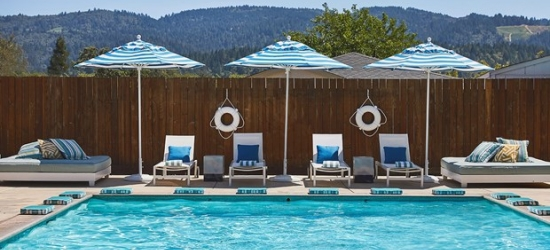 £174 -- Calistoga: Hip Hotel Suites + £188 in Extras, Save 55%