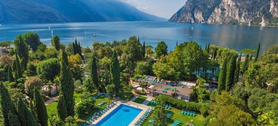 Lake Garda - Lakeside Property Immersed in Nature at the Du Lac Et Du Parc Grand Resort 4*