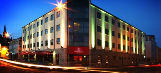 Co. Donegal: 1-3 Nights for Two with Breakfast and Hot Drink and Muffin on Arrival at Station House Hotel Letterkenny