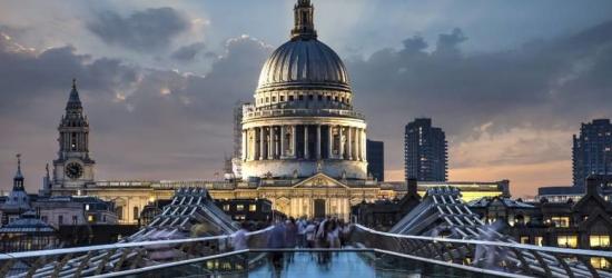 4* London Break, 3-Course Gordon Ramsay Dining & Bottle of Wine