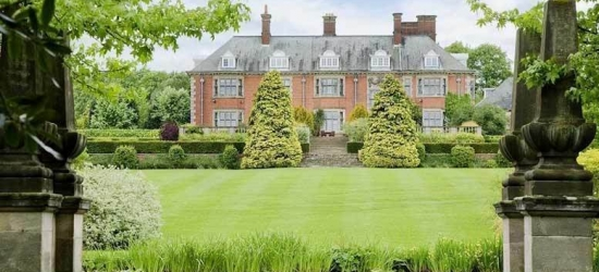 2nt Stay, 3 Courses & Afternoon Tea for 2 @ Dunchurch Park