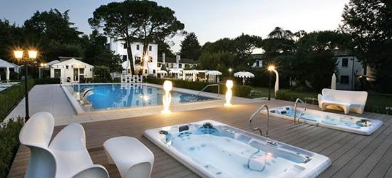 2 nights at the Park Hotel Villa Giustinian, Venice