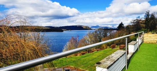 Lake District: 2-night deluxe stay w/3-course meal & Windermere cruise