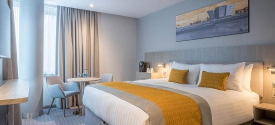4* Newcastle Stay, Breakfast, Prosecco & Dinner for 2 @ The Maldron
