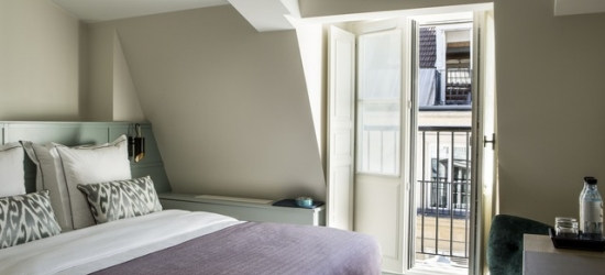 £117pp Based on 2 people per night | Hôtel La Tamise, Paris, France
