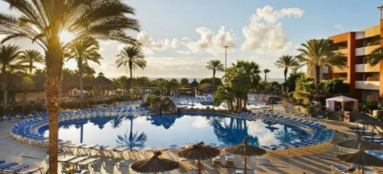 Seafront Fuerteventura hotel with all-inclusive option, Elba Carlota Beach & Convention Resort, Spain