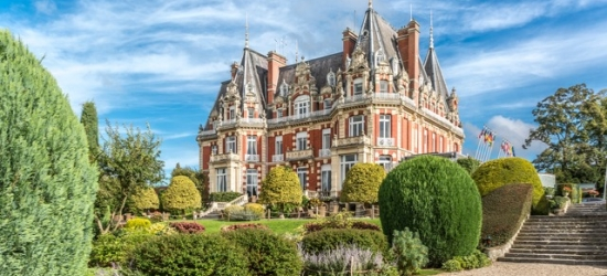 A French-style chateau in the Worcestershire countryside