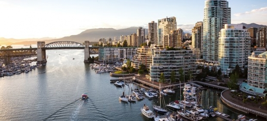 £116-£123 -- Vancouver Harbourfront Stay w/Parking