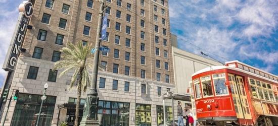 £92-- New Orleans: Canal Street Hotel w/Breakfast & Drinks