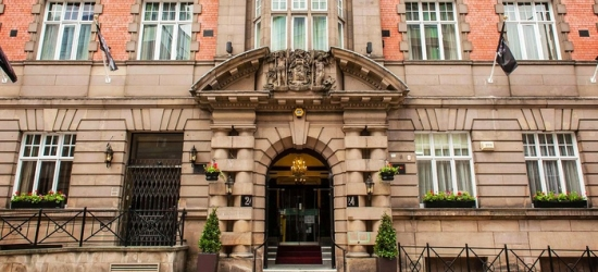 Liverpool: Standard Room for Two with Breakfast, Prosecco and Late Check-Out at The Richmond Hotel