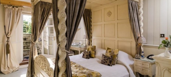 Bath: 1 or 2 Nights for Two with Breakfast at the 5* Apsley House Hotel
