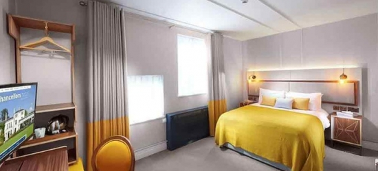 Manchester: Double Room for Two with Drink or Dinner Credit at Chancellors Hotel