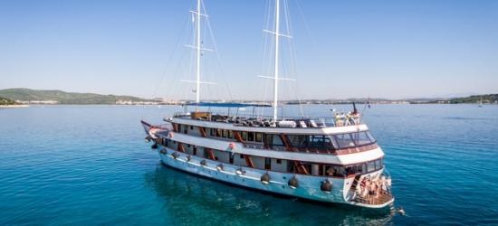 Scenic Croatia city & island-hopping cruise, Split, Hvar, Korčula, Dubvrovnik, Mljet and more