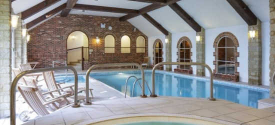 £57pp Based on 2 people per night   Oxford Witney Hotel, Cotswolds, Oxfordshire