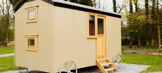 Lancashire: Shepherds Hut for Four at Samlesbury Hall, Summer Dates