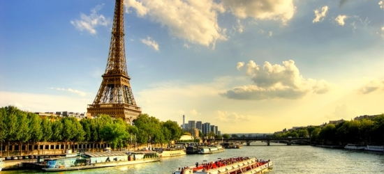 Ile-de-France: Classic or Deluxe Premium Double Room for 2 with Optional Breakfast and Seine Cruise at Hotel Le Dauphin