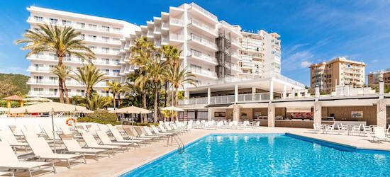 4* all-inc Majorca getaway w/adults-only VIP service