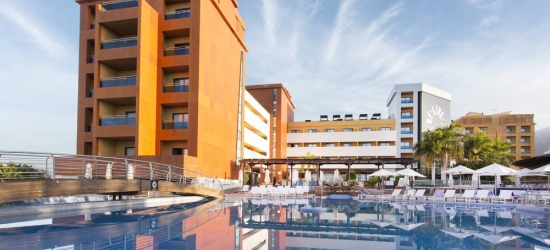 7 nights in Dec at the 4* Be Live Experience La Niña, Tenerife