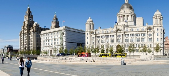 £65 & up -- Liverpool stay with breakfast & bottle of bubbly