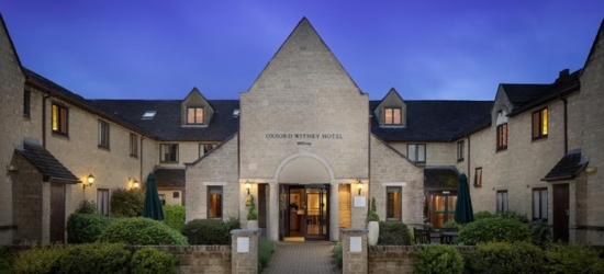 Oxfordshire: Standard or Superior Double Room for Two with Breakfast and Two-Course Dinner at Oxford Witney Hotel