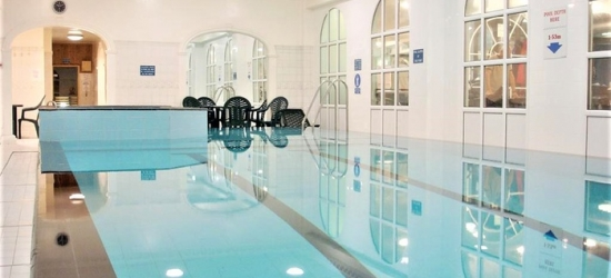 Manchester: 1 Night for Two with Breakfast, Leisure Access and Option for Dinner at theBritannia Sachas Hotel