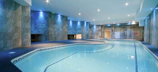 1-2nt Bournemouth Spa Break, Breakfast & Late Check Out for 2