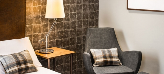 1-2nt Stay for 2 with 2-Course Dining & Prosecco for 2 @ Go Glasgow