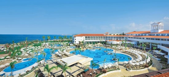 7nt 5* all-inclusive Cyprus getaway