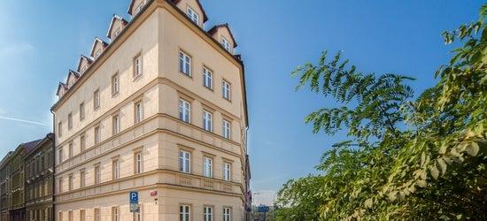 3* Prague escape