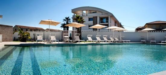 €48 per persona a per notte   Modica Beach Resort, Marina di Modica, Sicilia