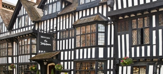 £59 & up -- Stratford-upon-Avon stay with wine, 45% off