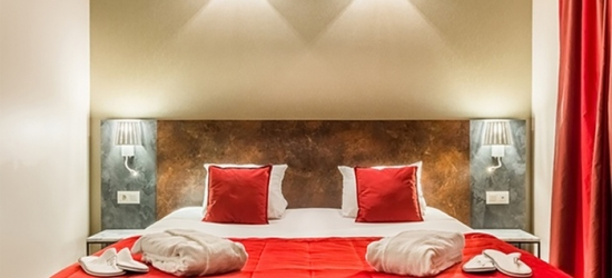 Brussels: Classic or Comfort Room for Two with Welcome Drink, Parking and Optional Breakfast at 4* Martin's Brussels EU