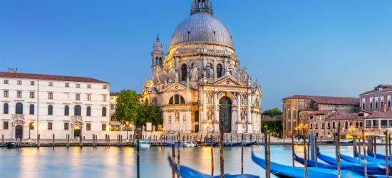 ✈ Venice: 2, 3, 4 or 5 Nights at Hotel Aaron with Direct Return Flights*
