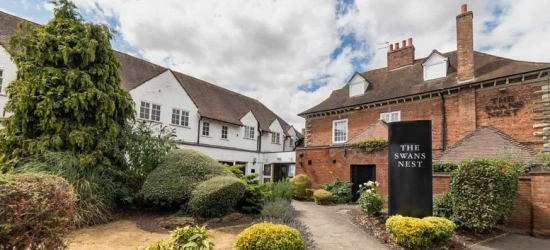4* Luxury Stratford-upon-Avon Break & Breakfast @ Swan's Nest Hotel