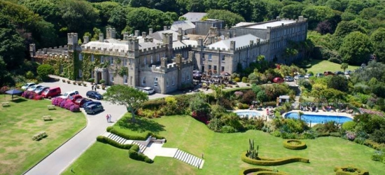 St Ives Castle Getaway, Cream Tea, Golf, Tate Tickets for 2