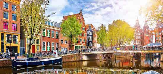 3nt 4* Amsterdam getaway w/breakfast & flights
