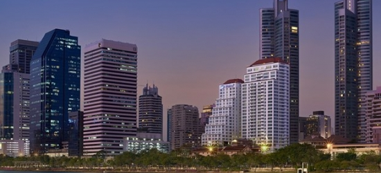 £124-- 2-Night New Bangkok Stay near Terminal 21 w/Breakfast