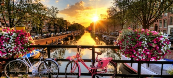 ✈ Amsterdam: 2 to 4 Nights at Choice of Hotels with Return Flights