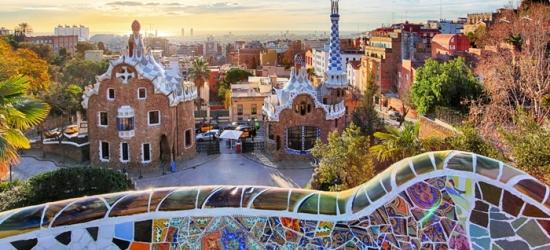 Barcellona: camera doppia/matrimoniale con colazione o mezza pensione per 2 persone al Golden Tulip Barcelona 4*