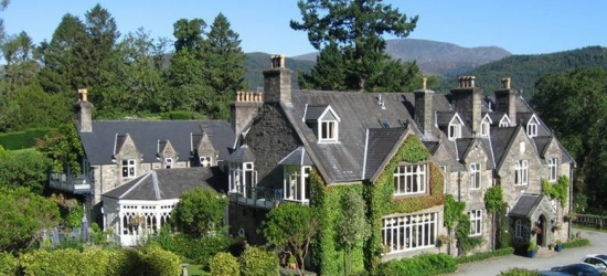 4* North Wales Getaway, Dinner, B'fast & Wine - Winter Escape!