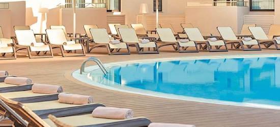 4* Algarve escape w/breakfast & flights