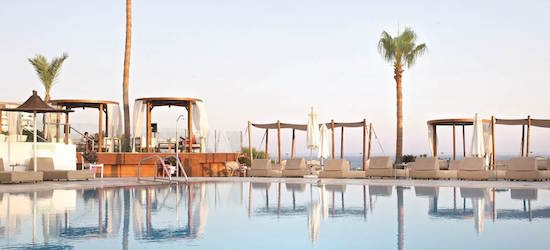 4* Cyprus week w/breakfast & flights